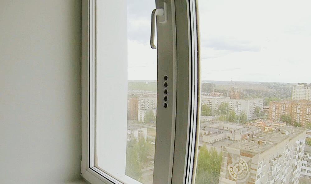 Можно ли сверлить отверстия в пластиковых окнах
